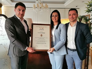 Gajicic and Stevic presented a plaque to Sonja Davidovic