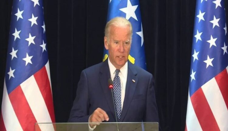 Biden: A minute of silence for half a million victims