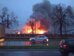 Localized fire in the old glassworks in Pancevo, the railway